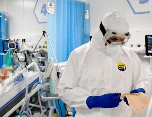 """I medici chiedono il lockdown totale per il Piemonte: """"La situazione è insostenibile""""."""