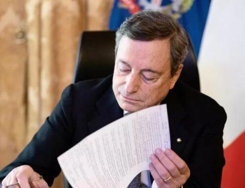 """Draghi: """"L'emergenza peggiora, ma con vaccini via d'uscita non lontana. Prima i più fragili e categorie a rischio""""."""