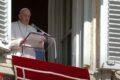 """Appello del Papa per i migranti in Libia: """"Non vi dimentico, sento le vostre grida"""""""